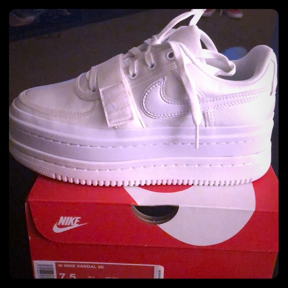 new products e0227 f6f7b Womens Nike Vandal 2K Platform Airforce 1. M5bf4d937fe5151330017409b